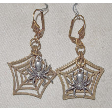 Spider in Web Earrings in a Web no e18046