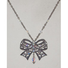 Rosette in Filigree with White Crystals Necklace No. n13162