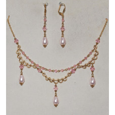 Drops in Pink Crystal with Golden Bows and Pink Bicone Crystals Jewelery Set No. s11003